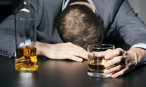 Тардиферон назначают с осторожностью при алкоголизме