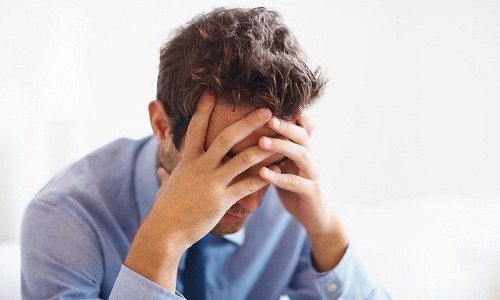 Среди побочных действий встречаются головокружение и головные боли
