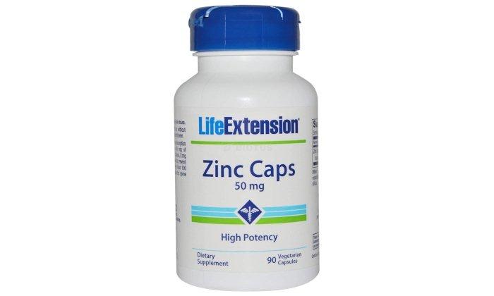 При дефиците цинка часто используются витаминно-минеральные комплексы, такие как Zinc Caps