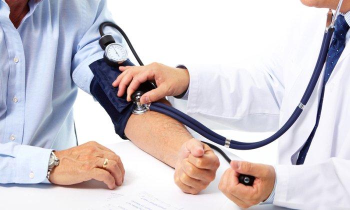 Повышение кровяного давления обычно появляется при передозировке препаратом