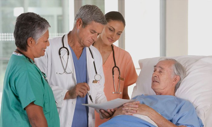 Прием препарата рекомендуется в реабилитационном периоде после операций при наличии непроходимости кишечника, запоров