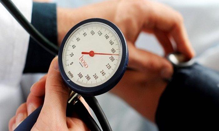 Детралекс может вызвать побочный эффект в виде повышения артериального давления