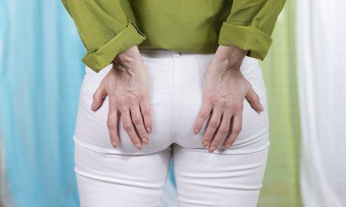 Салофальк назначается при остром и хроническом геморрое, который сопровождается сильным болевым синдромом