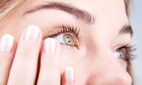 Одним из показаний к применению мази, геля и крема Актовегин являются воспаления глаз