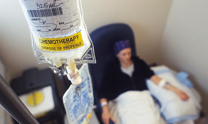 Дезоксинат показан к применению в онкологии: при химиотерапии новообразований