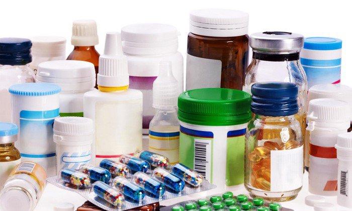 При совместимости с другими препаратами не рекомендуется отдавать предпочтение средствам, имеющим в составе гидрокортизон или тетрациклин