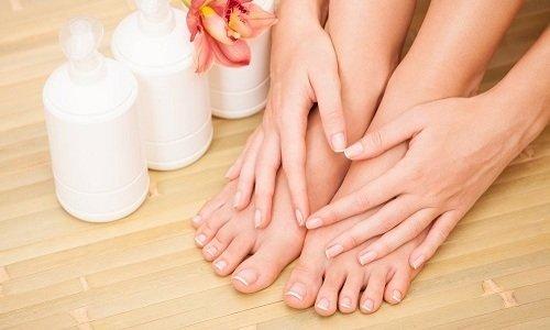 Комплексное применение двух средств позволит продлить молодость кожи, наполнить ее влагой, сделать более эластичной и прочной