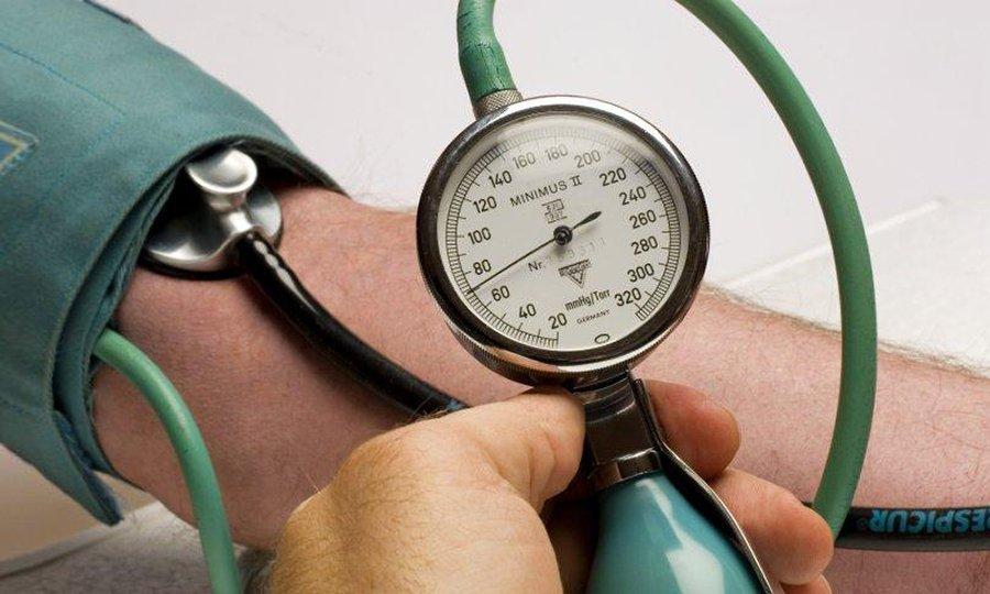 При использовании Цефтриаксона и Новокаина возможны перепады артериального давления