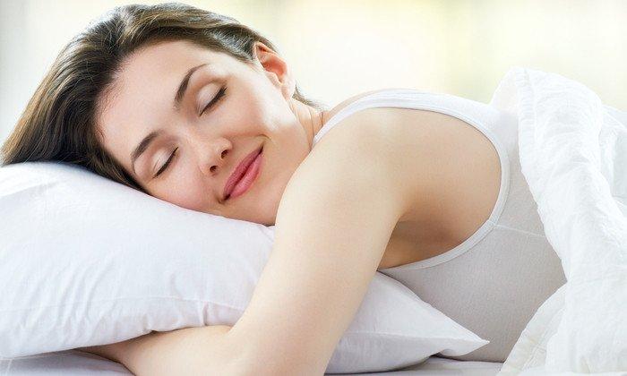 Необходимо сохранять положение лежа еще полчаса, чтобы основа успела растаять и лекарственное средство начало воздействовать на кишечную стенку