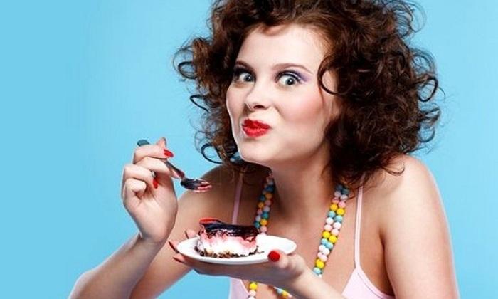 Также следует воздержаться от употребления сладостей