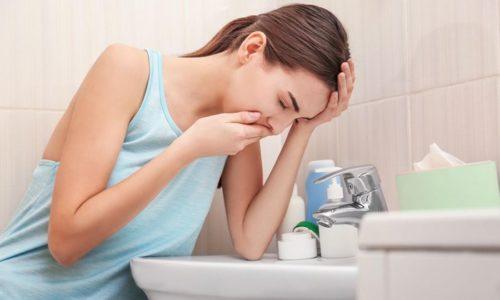 Тошнота - один из побочных эффектов препарата