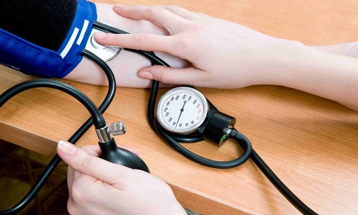 Троксевазин прописывают пациентам с повышенным артериальным давлением