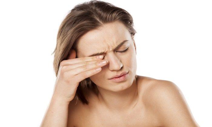 Болезни глаз так же являются показанием к совместному приему витаминов