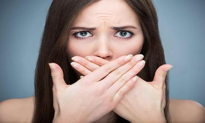 Редкая побочная симптоматика от приема препаратов может проявляться в виде неприятного запаха изо рта