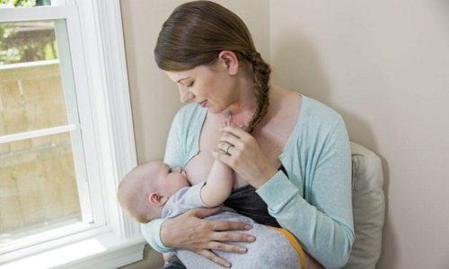 Глюкокортикостероиды проникают через плацентарный барьер и выделяются с грудным молоком