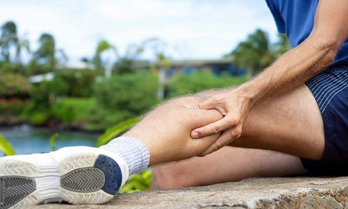 Препарат задействуют в составе симптоматической терапии при боли в ногах