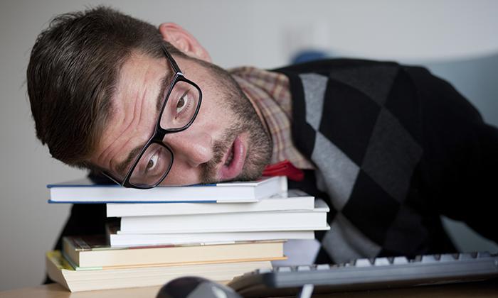 При передозировке Мотилиум возникает сонливость