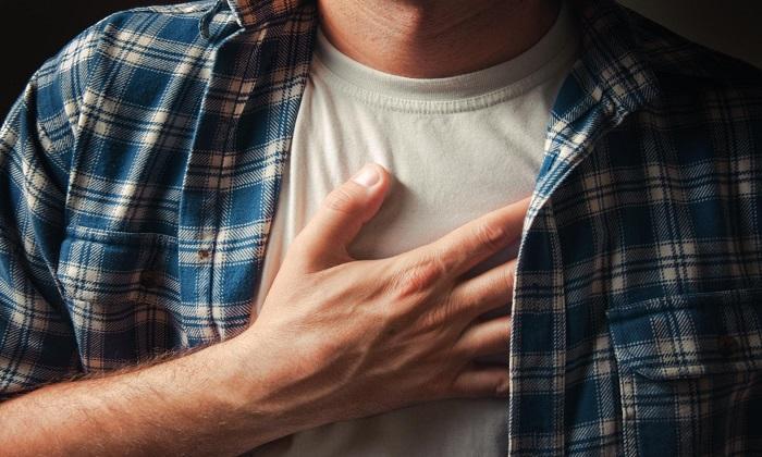Венарус может стать причиной болевых ощущений в груди