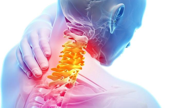 При шейном остеохондрозе рекомендован компресс из Димексида, Новокаина и Диклофенака