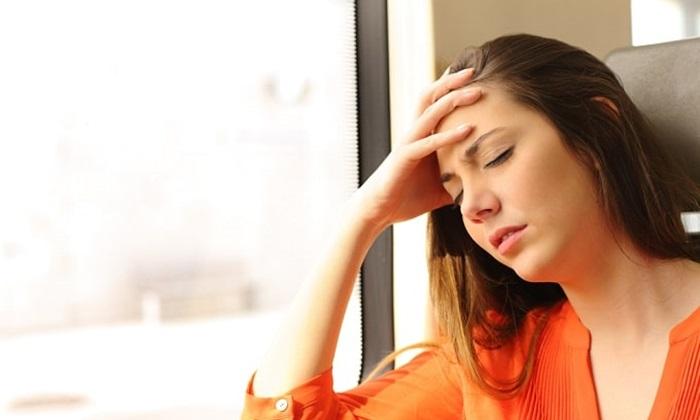 При нанесении препарата на обширные участки кожи возникает головокружение