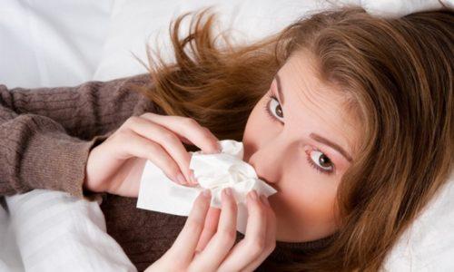 При простудном насморке раствор применяется в виде ингаляций