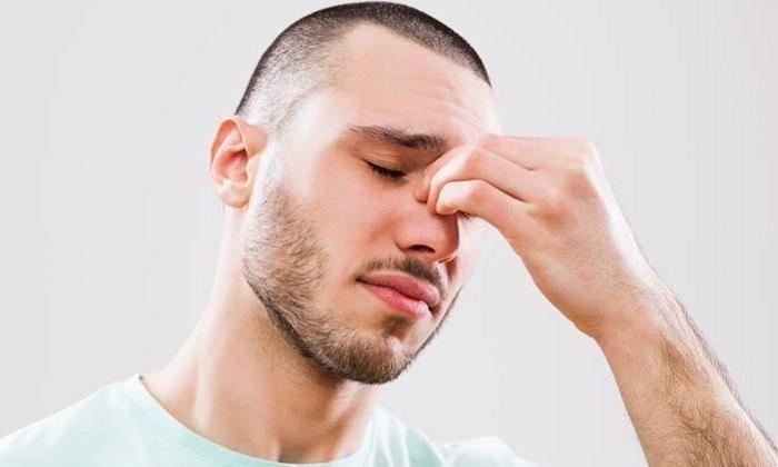 Также Левомеколь разрешено применять для лечения гайморита