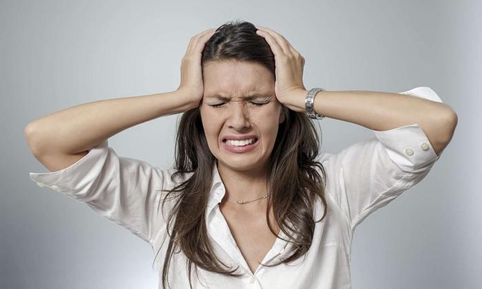 Побочные эффекты от Новокаина сопровождаются головокружением, головными болями