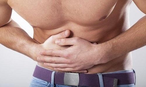 При дискинезии кишечника пациенты жалуются, что боль распространена по всему животу