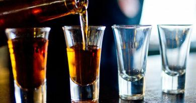 Влияет ли алкоголь на мужское здоровье и может ли вызвать импотенцию