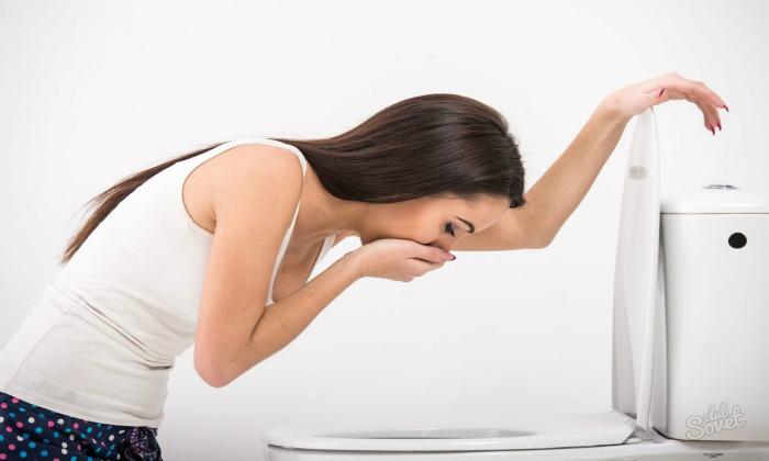 При осложнениях возникает яркая болезненная симптоматика, сопровождающаяся тошнотой и рвотой